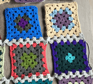 Stash Buster Granny CAL - Joining - Couch Surfer Crochet